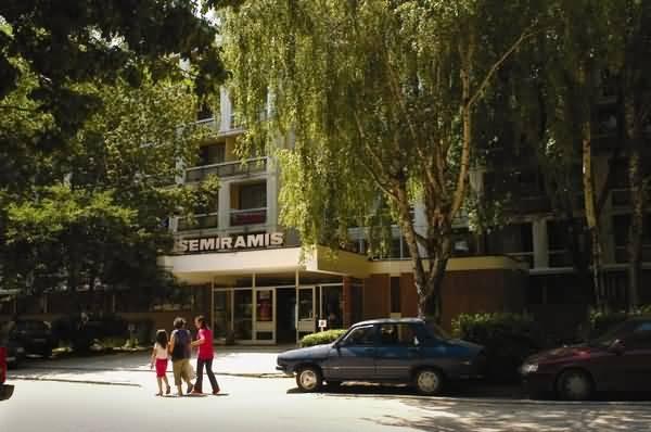 Cazare Hotel Semiramis